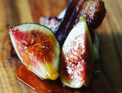 fig with crispy bacon