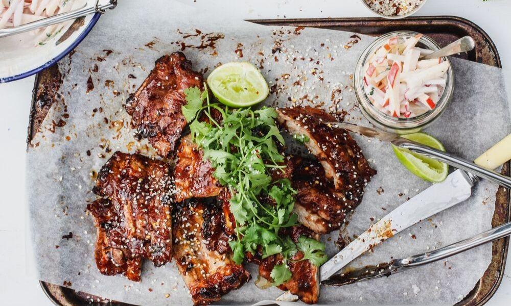 sticky, smoky, spicy pork ribs_BLOG_1000x600